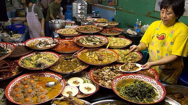 Travel Food Advices: How to Eat in another country